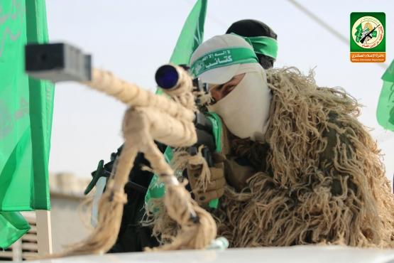 عرض عسكري في الذكرى الثالثة للعصف المأكول