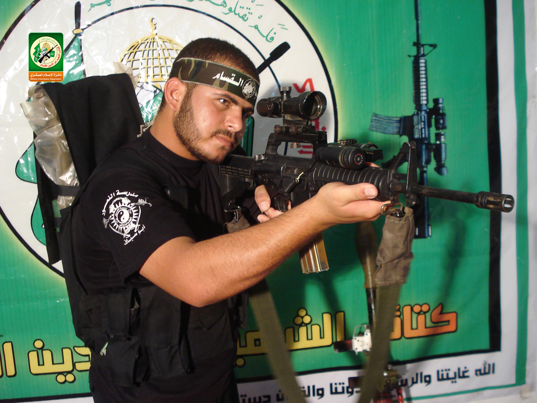 الشهيد القسامي / شريف محمد أبو حسان