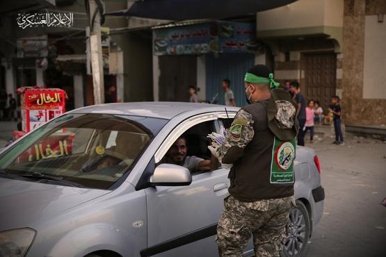 توزيع الكمامات على المواطنين - خانيونس